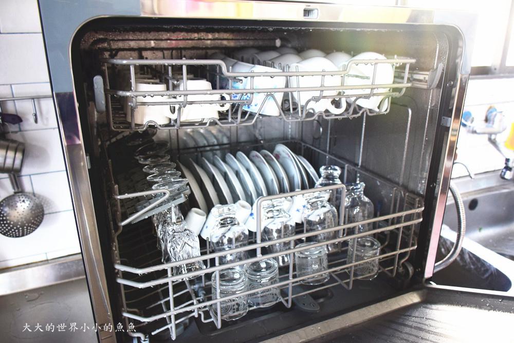 Frigidaire桌上型八人份洗碗機1