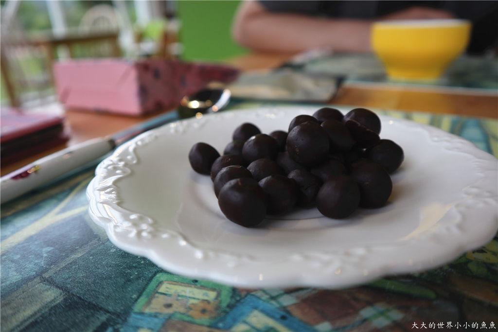 自然時記黑米菓72%黑巧克力13.jpg