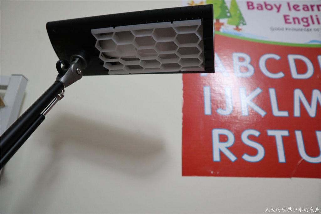喜萬年SYLVANIA 第二代 LED小小冰極光護眼檯燈-雙色切換版40.jpg