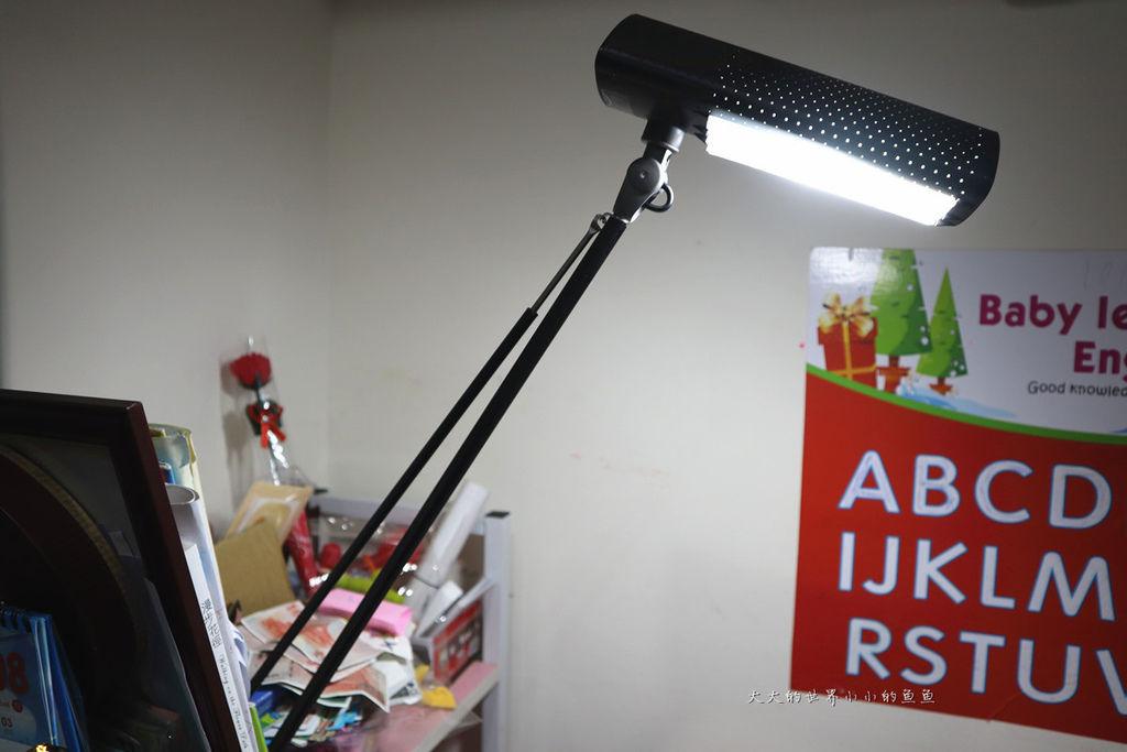 喜萬年SYLVANIA 第二代 LED小小冰極光護眼檯燈2