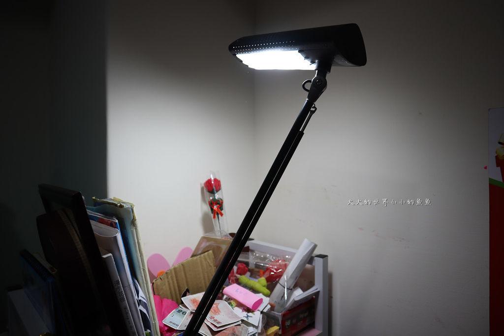 喜萬年SYLVANIA 第二代 LED小小冰極光護眼檯燈