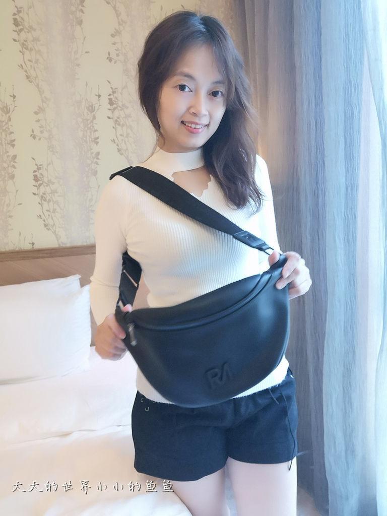 夢特胸包2