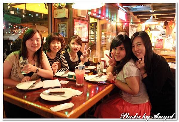20110506 ICBG、WRAD Hooters聚餐_014.jpg