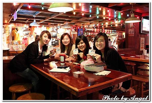 20110506 ICBG、WRAD Hooters聚餐_004.jpg