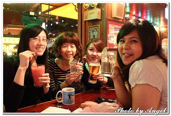 20110506 ICBG、WRAD Hooters聚餐_008.jpg