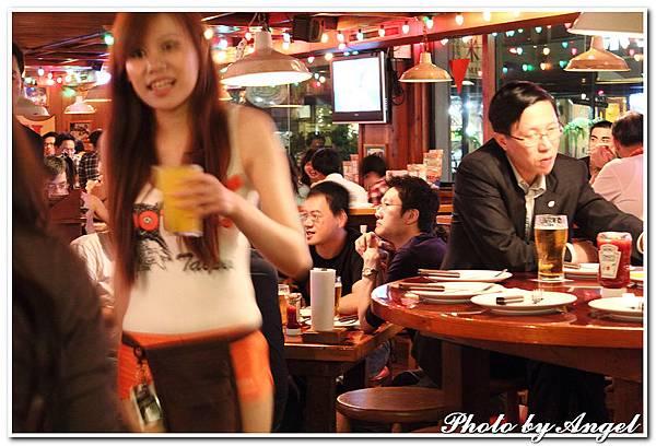 20110506 ICBG、WRAD Hooters聚餐_018.jpg