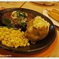 國產和牛+鹿兒島黑豬混合的漢堡排