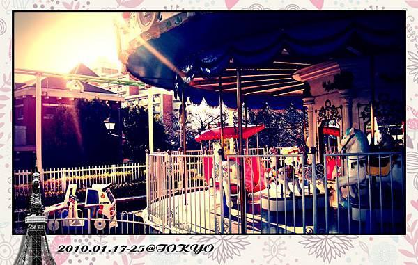 遊樂園怎麼能少了旋轉木馬...