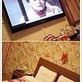 房間比想像中大,還有42吋電視,看起來很爽!