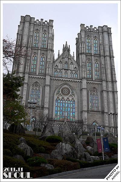 慶熙大學最著名的建築~和平殿堂