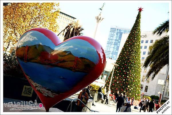 聯合廣場上最著名的金門大橋紅心.jpg