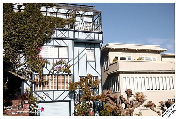 我喜歡這棟藍色房子,但我不想住在花街.jpg