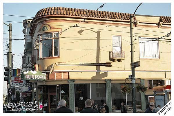 全世界第一家公開的同性戀酒吧Twin Peaks Tavern.jpg