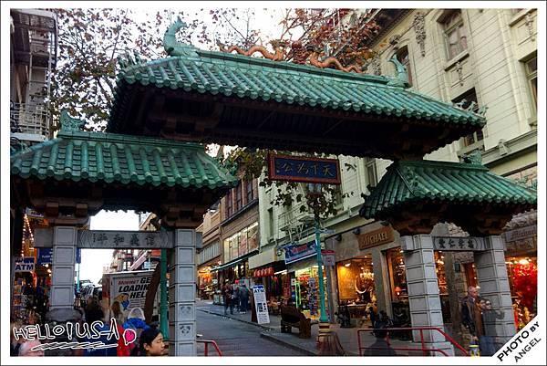 China Town入口的中國牌坊.jpg