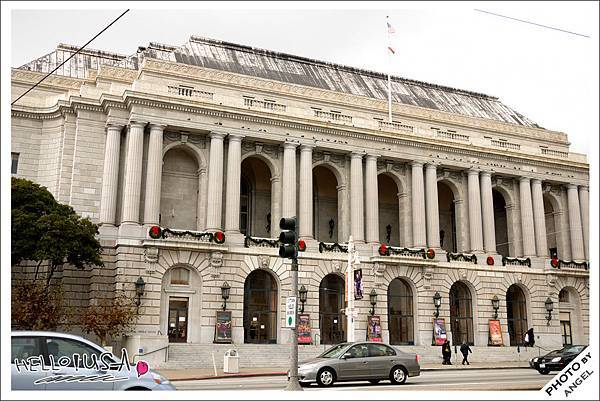大戰紀念歌劇院.jpg