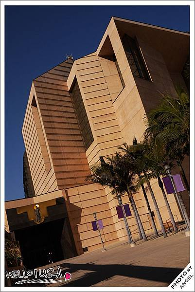 全美最大的天主教堂---聖母大教堂.jpg