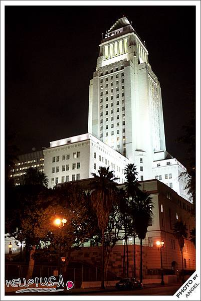 LA市政廳夜景.jpg