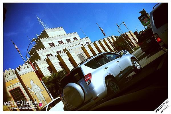 距離LA市區最近的CITADEL OUTLET.jpg