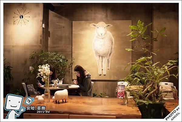 店內環境非常溫馨舒適的咖啡屋.jpg