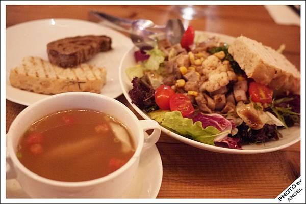 和風照燒醬松阪豬野菜沙拉