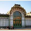 裝飾細膩的卡爾廣場地鐵站