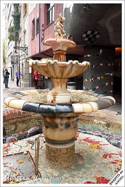 噴泉是百水熱愛「水」的表現