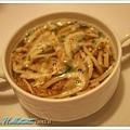 奧地利傳統家常湯,裡面加的是鬆餅喔!