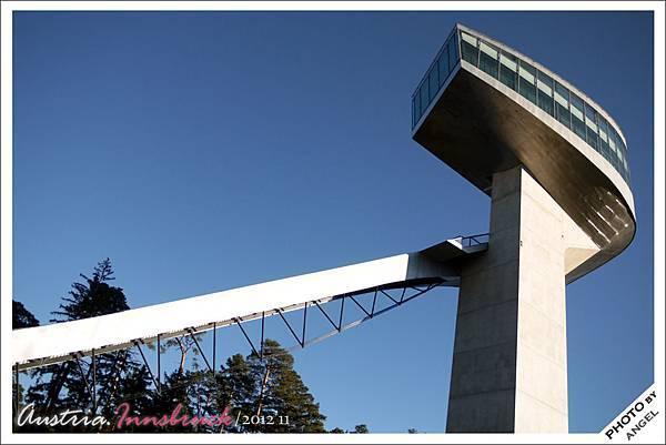 這就是榮獲建築金獎的伊澤山跳台