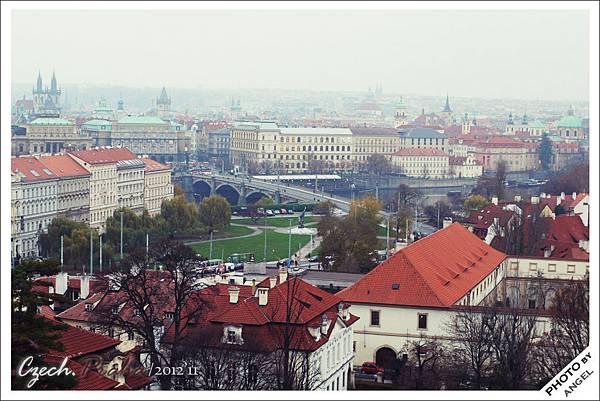 居高臨下的城堡是欣賞布拉格美景的好所在