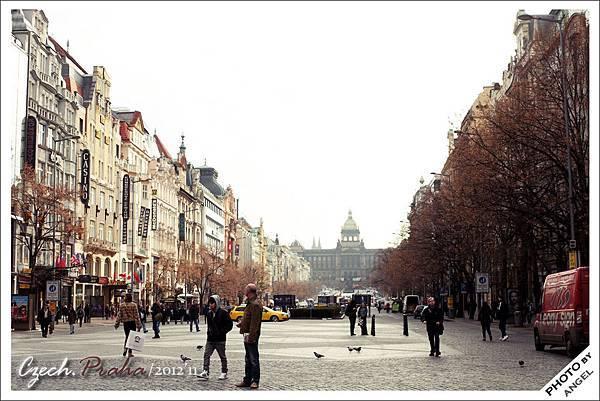 布拉格的香榭大道---瓦次拉夫廣場