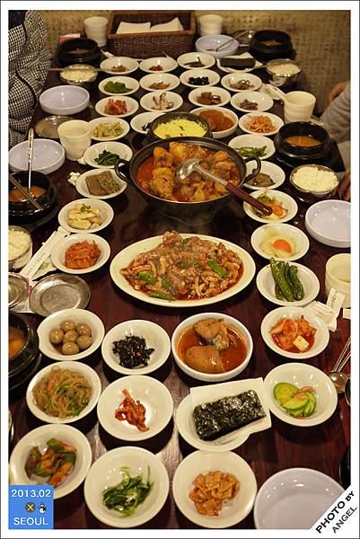 滿滿一桌小菜是傳統鄉村料理的特色