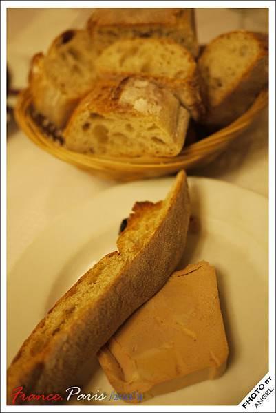 鵝肝醬佐麵包