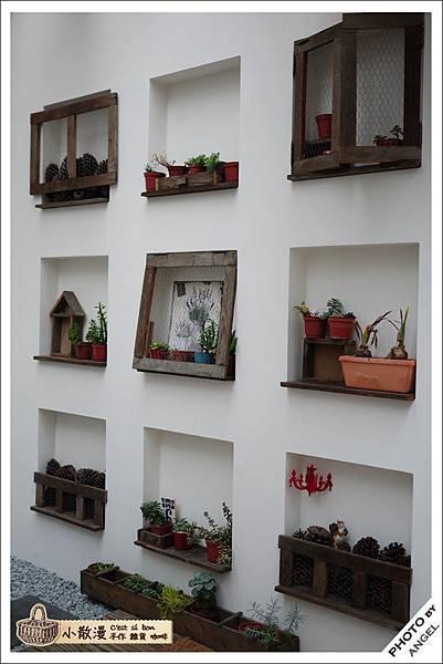 另外一面的植物牆