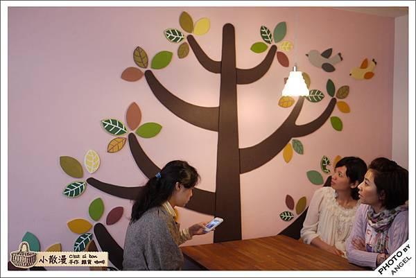 讓人忍不住一直端詳的大樹壁飾