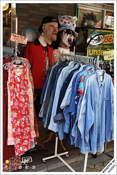 衣服全是純二手服飾沒有經過特別整理,不見得人人都能接受