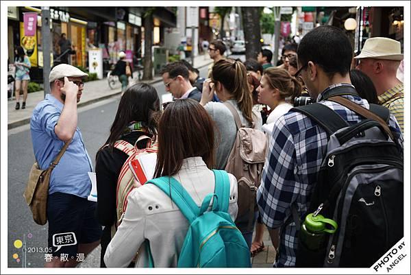 一群念建築的外國學生