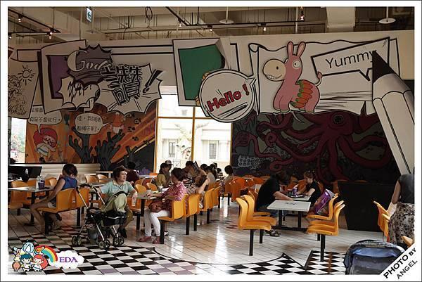 屬於小朋友的區域連餐廳也很可愛.jpg