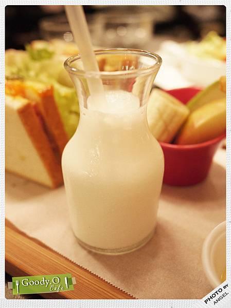 小瓶牛奶好古錐.jpg