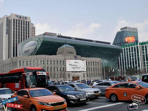 第一次從正面看清楚首爾市廳的樣貌.jpg