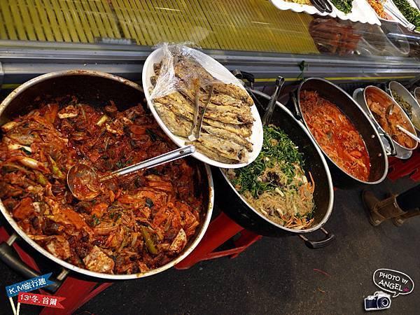 傳統市場的料理看起來就是好吃.jpg
