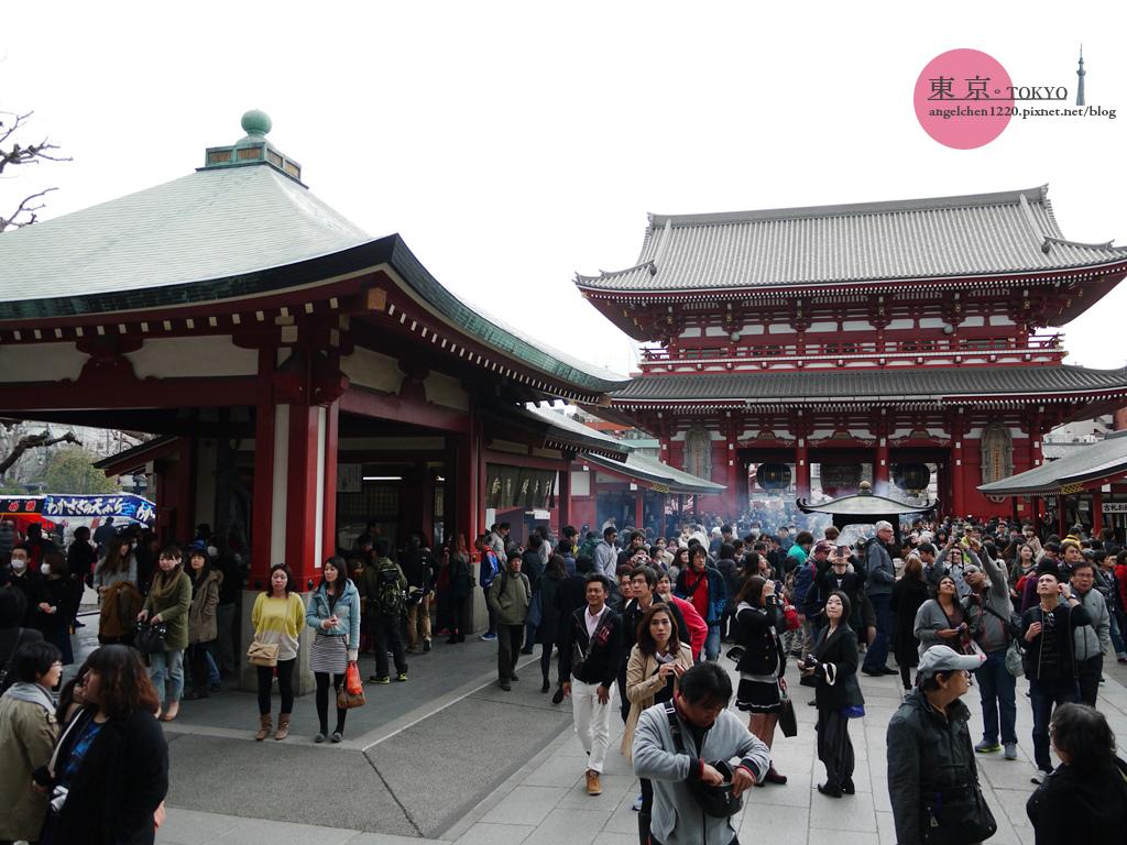 這天是日本春假第一天,人真的好多