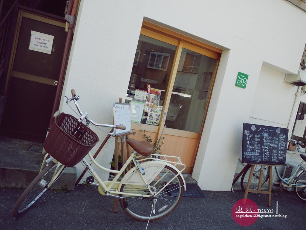 一片白牆一台腳踏車,完全日雜風.jpg