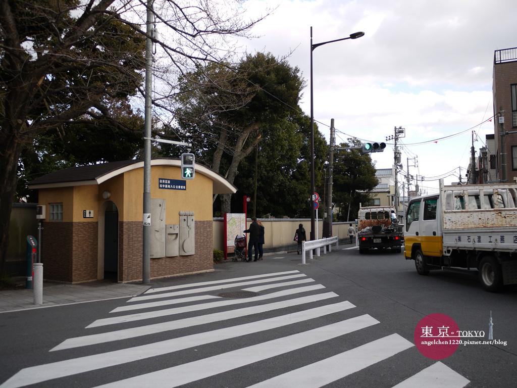 轉進谷中靈園前有間公廁可以方便一下.jpg