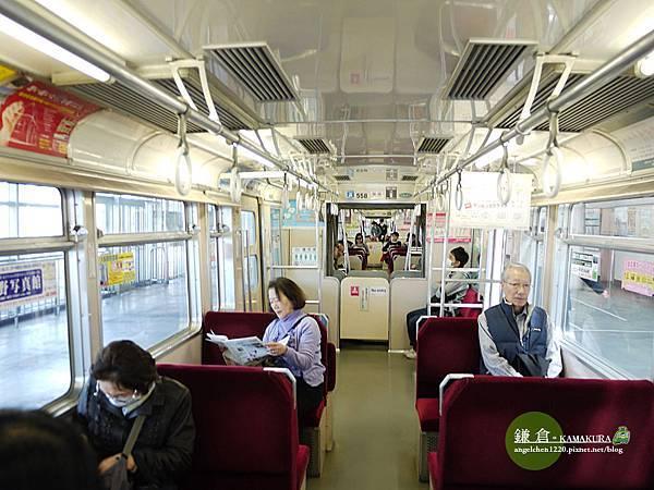 乘客大部分是當地居民.jpg