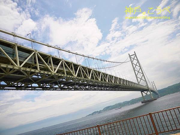再過不久我們即將登上這座橋梁.jpg