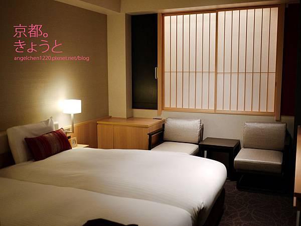 第一次在日本住到如此寬敞的雙人房.jpg