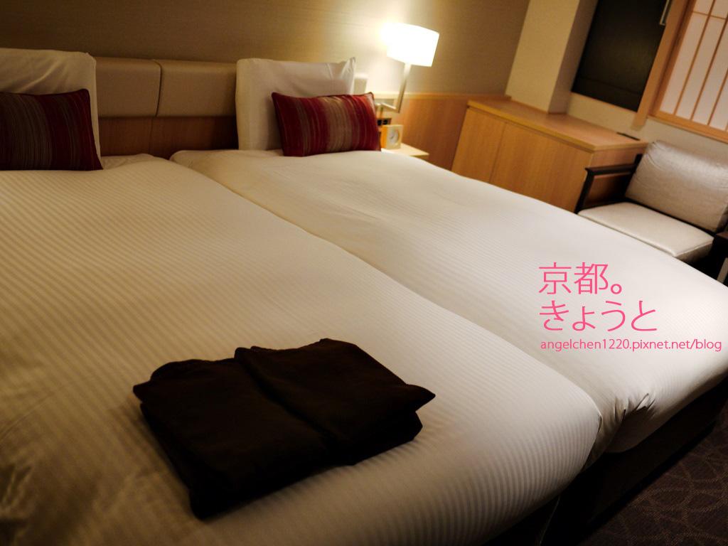 難得可以一人一張床.jpg