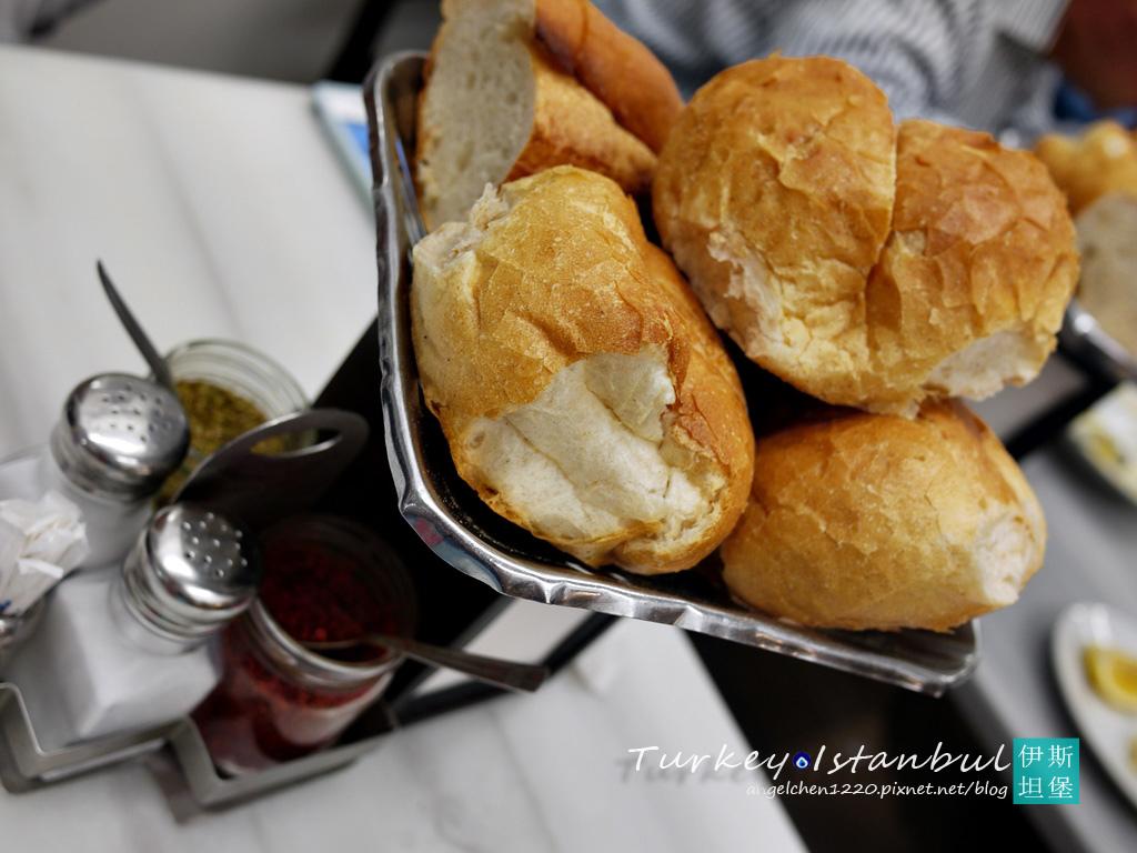 免費的餐前麵包.jpg