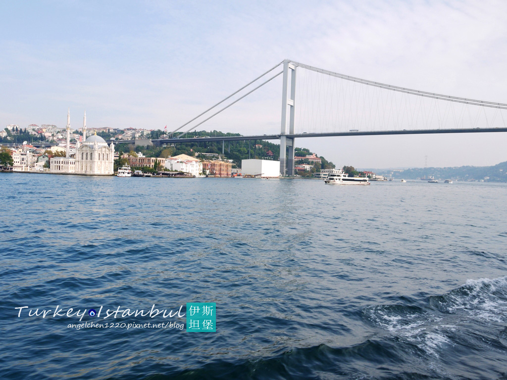 第一座經過的橋是博斯普魯斯大橋.jpg