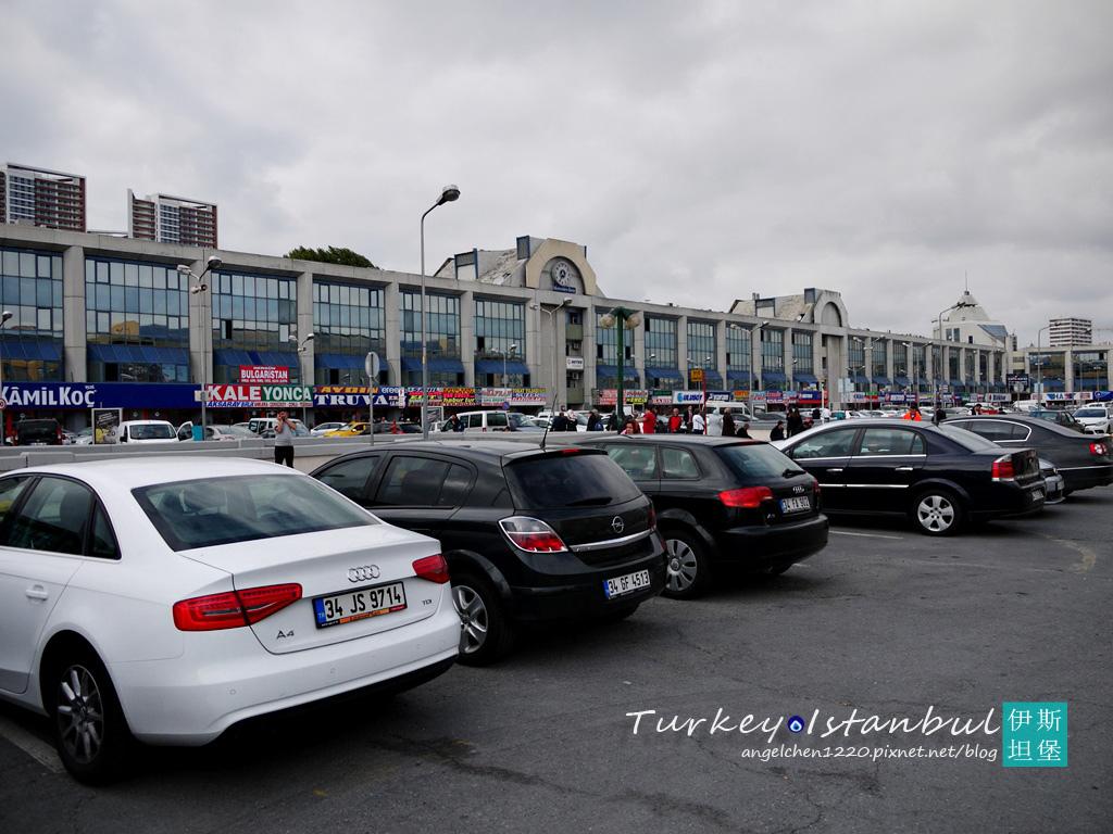 佔地遼闊的伊斯坦堡長途巴士站.jpg